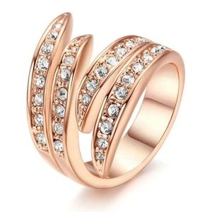 New Gorgeous Rose Gold plated ring